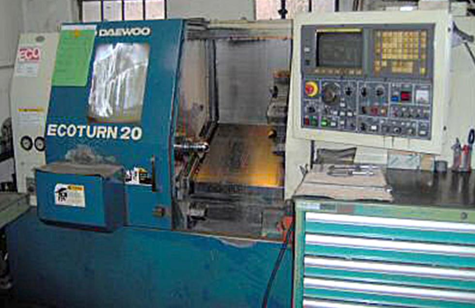 mechanische metallbearbeitung schoenebeck mierwald cnc drehzentrum daewoo drehen maschine drehmaschine bearbeitungszentrum rotationssymmetrische Werkstücke bedienpult